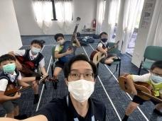 Guitar-008