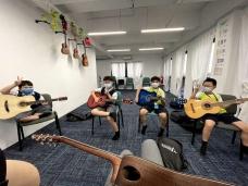 Guitar-010