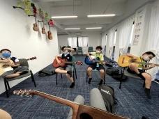 Guitar-011